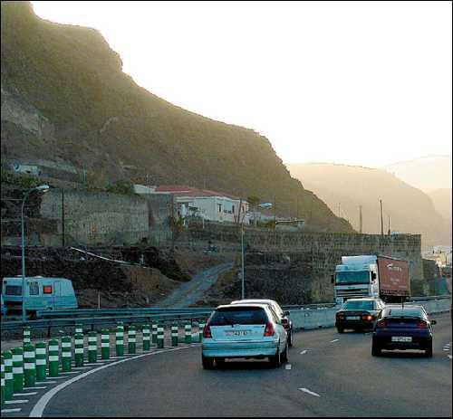 La Cotmac aprueba otra vía pegada al risco de Pagador a San Andrés