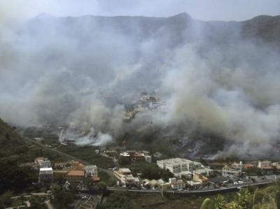 1.000 evacuados por el incendio en La Gomera