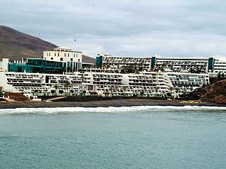 Adena solicita el cumplimiento estricto de las sentencias que anulan las licencias de hoteles en Lanzarote
