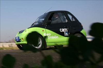 Presentan en Chile un vehículo eléctrico de cero emisiones, que alcanza los 80 km/hora