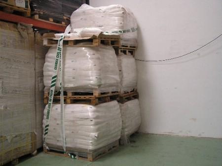 El Seprona de la Guardia Civil precinta un producto químico de uso agrícola peligroso para la salud