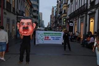 Unas 5.000 personas rechazan en la calle el nuevo catálogo propuesto por CC