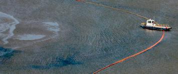 El crudo derramado en el Golfo de México llega a Luisiana