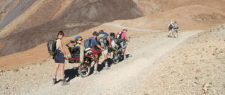 Cuatro de los 80 senderos del Teide se abren a visitantes en silla de ruedas