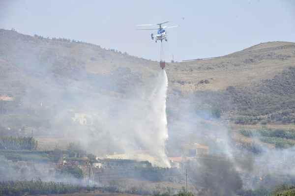 Controlado el incendio forestal en Fagagesto tras calcinar mas de 50 hectáreas