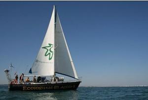 El velero Diosa Maat de Ecologistas en Acción visita la isla de La Palma
