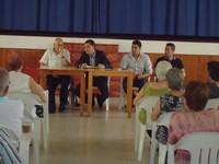 Reunión en la asociación de vecinos Amagro de Barrial